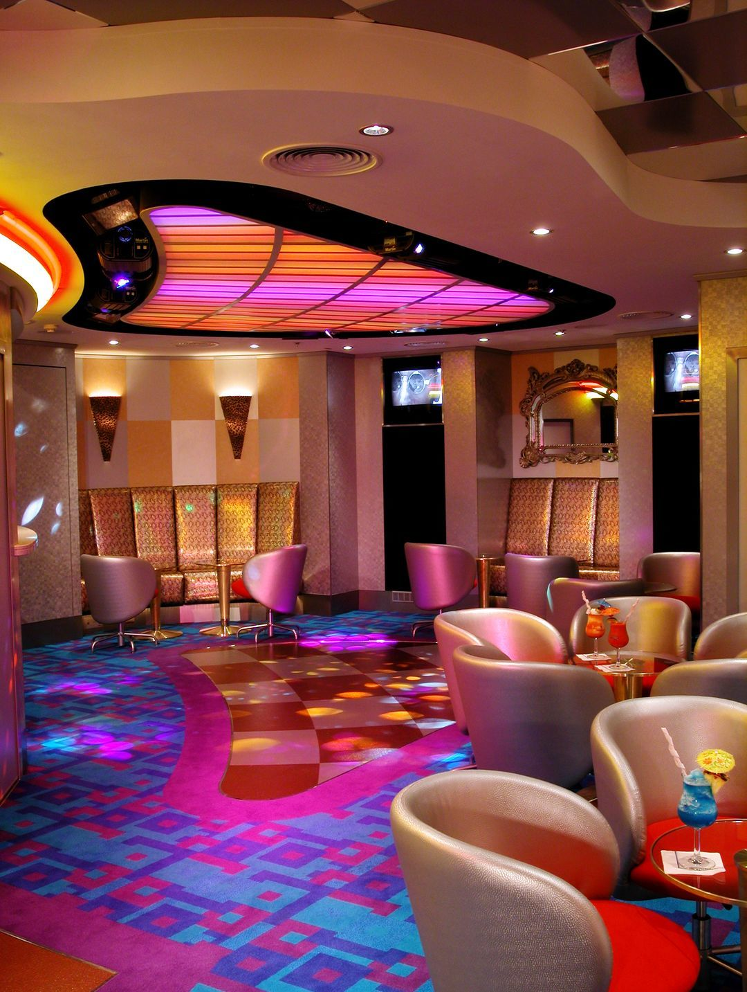 Dazzles_Lounge_Night_Club
